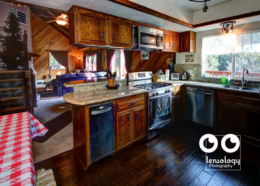 LENSOLOGYARCHITECTURAL.PHOTO - Photos for sale of Lake Gregory mountain lodge, LA, CA.
